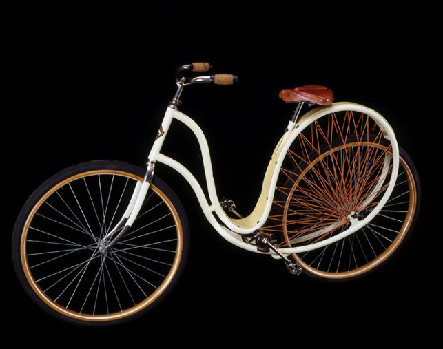The Cygnet Cycle, ca. 1898<br> Stoddard Manufacturing Co.<br> Dayton, Ohio<br> United States<p>  The Cygnet's curved frame was designed to absorb all shocks; a beautiful and rare feature was its celluloid fender.