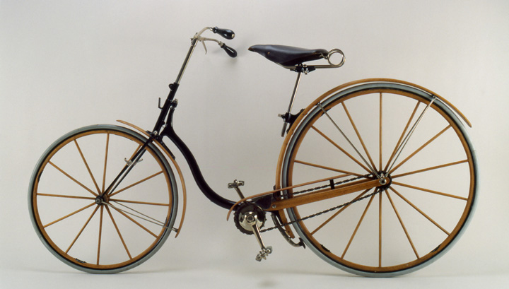 Elliot Hickory, ca. 1889<br> Elliot Hickory Cycle Co.<br> Newton, Massachusetts<br> United States<p>  A single piece of hickory elegantly serves both as a structural part of the frame and the fender.